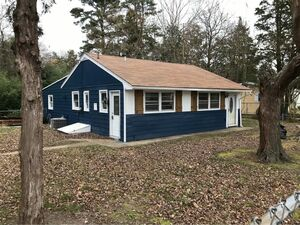 Beautiful 2 bed 1 bath house for sale in Millville