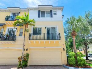 Spectacular 3 Beds 3.5 Baths home for rent in Boca Raton