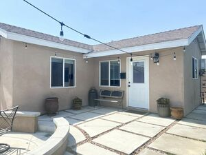 Beautiful 1 bed 1 bath home for rent in Ontario