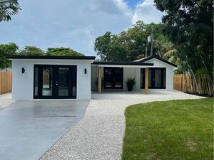 Beautiful 3 beds 2 baths home for rent in Fort Lauderdale