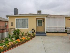 Beautiful 3 beds 2 baths house for rent in North Hollywood
