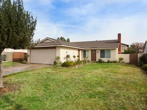 Beautiful 3 beds 2 baths house for rent in Chino