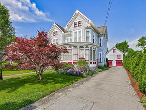 Beautiful 5 bed 2 baths house for rent in Newark