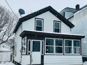Beautiful 3 beds 2 baths house for rent in Syracuse