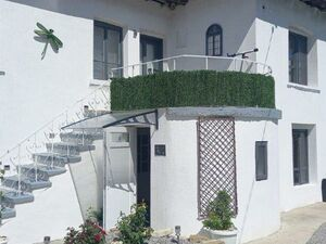 3-bedroom house with nice garden and pool near Popovo
