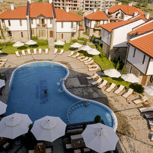 Pool view Townhouse with 2 bedrooms and 3 bathrooms Chairite