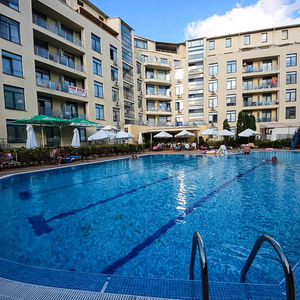 Furnished 1-bedroom apartment with POOL VIEW in Rainbow 1