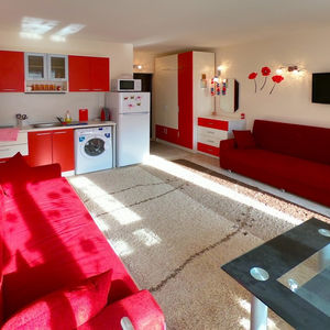 Spacious and nicely furnished studio in Amber beach
