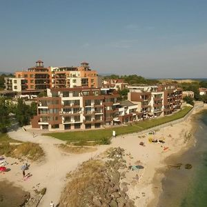 Studio with frontal Sea and Beach View in Akrotiria Beach